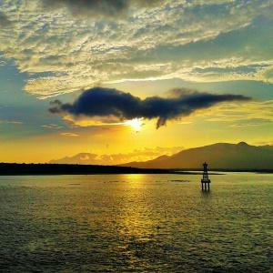 Sunrise di atas kapal ferry