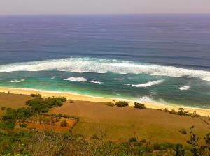 View pantai nyang-nyang dari atas tebing