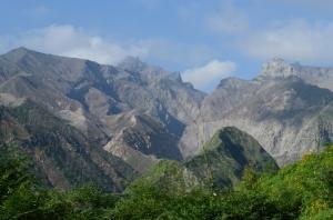 See? Gunung Kelud yang masih putih keabu-abuan