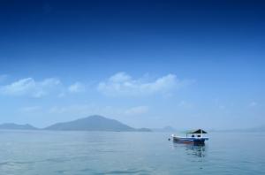 Melihjat Pulau Kelagian dari Pelabuhan Ketapang