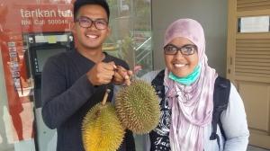 Penampakan kita setelah berjemur, haha | thanks ya durian lampungnya mbak