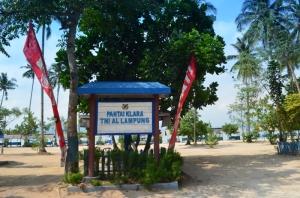 Melewati Pantai Klara di awal-awal perjalanan