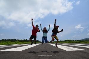 Ini ceritanya lagi runway airport bawean