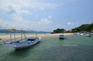 Kapal yang bersandar di Pulau Gili