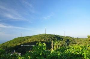 Kincir Angin di perjalanan ke dataran paling tinggi di Nusa Penida