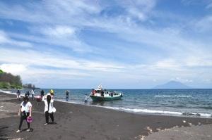 Pasir hitam di krakatau