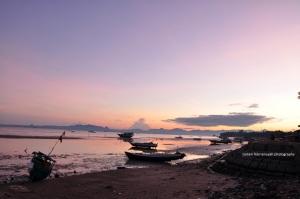 Ternyata posisi laut memang tidak cocok untuk sunrise-an