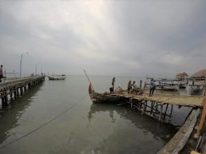 Dermaga Kecil Kartini yang biasanya untuk bersandar kapal-kapal nelayan baik yang mencari ikan maupun untuk menyeberang ke Pulau Panjang