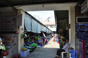 Benh Thanh Market, pinter-pinter nawar ya kalau belanja disini