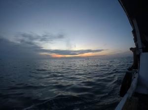 sunset-an di atas kapal